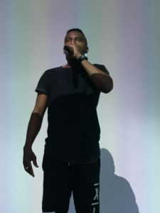 KJ performance 03